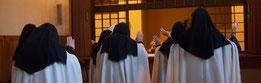 Clicca per ascoltare/scaricare l' 'Inno del Canto della Luce' cantato dalle monache