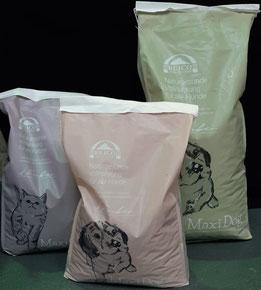 Trockenfuttersäcke von Reico für Hunde Trockenfutter und Katzen Trockenfutter