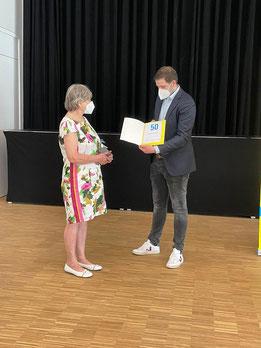 Seit 50 Jahren ist Ulrike Poetter Mitglied der FDP und aktive Kommunalpolitikerin in Versmold.