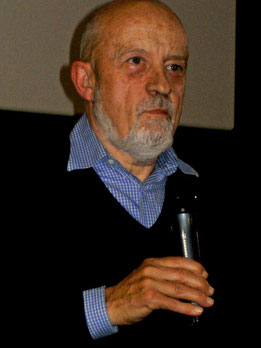 """Luc Moullet in der Cinématheque Francaise am 28.12.2009"" von alainalele [CC BY 2.0 (http://creativecommons.org/licenses/by/2.0)], via Wikimedia Commons"