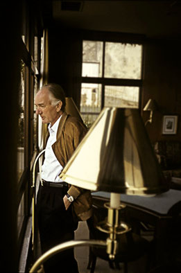 von Thomas.Bernhard.jpg: Thomas Bernhard Nachlaßverwaltung derivative work: Hic et nunc [CC BY-SA 3.0 de (http://creativecommons.org/licenses/by-sa/3.0/de/deed.en)], via Wikimedia Commons