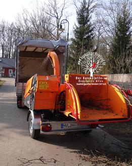 Baumpflege Havelland Häcksler auf einer Baustelle