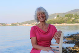 Foto von Karina Berg, Tai Chi und Qi Gong Lehrerin, Ferienkurse, Urlaub am Meer in Griechenland