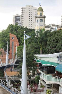 Guayaquil, Uferpromenade Malecon 2000 mit Uhrenturm