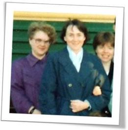 Я, Оксана Бакина и Людмила Стародубцева у поезда. Едем на «духовный пир»!