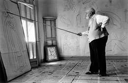 Henri Matisse dans son atelier. Robert Capa © International Center of Photography View profile FRANCE. Nice. August 1949.