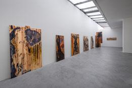 """Die Ausstellung """"ROTE WATTE, Gustav Kluge – Druckstöcke und Holzdrucke"""" im Museum Lothar Fischer. Foto: Andreas Pauly."""