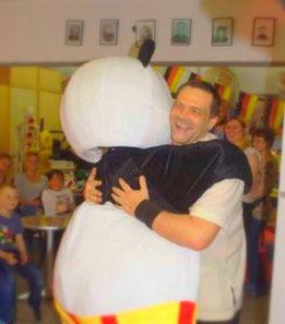 Der Kung Fu Panda der Jing Wu Kung Fu Schule Köln ist bei Kindern, Jugendlichen und auch Erwachsenen beliebt.