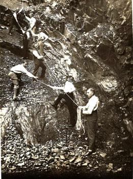 """Felsklettern im Augustusbad"" 1930. Quelle: Heimatverein Liegau-Augustusbad"