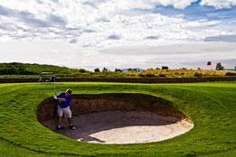 Loch 10 - Das Road Hole mit dem Potbunker. Foto Walters Golf