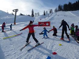 Skikurs für Kinder ab 4 Jahre und Erwachsene Wiedereinsteiger 2019, Skiteam SV DJK Heufeld in Bruckmühl.