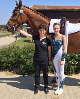 Sina Rückert mit Longenführerin Heide Pozepnia und Dunhill (CVI Krumke 2016)