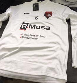 Teamwear mit Wappen und Sponsor bedruckt