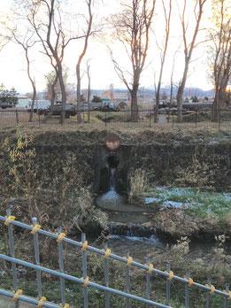 精進川に流れ込む真駒内用水