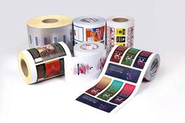 Самоклеящиеся этикетки, этикетки с клеевой стороной, этикетки с клеем, рулонные этикетки, фирменные этикетки в рулоне.
