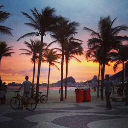 Sonnenuntergang in Leme, vor der Strasse der Wohnung