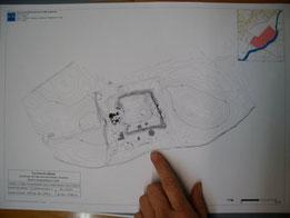 Plan du château d'Eaucourt et des abords avec les courbes de niveau