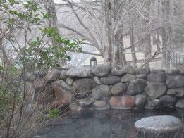 こちらは大浴場からつながる露天風呂「恵みの湯」
