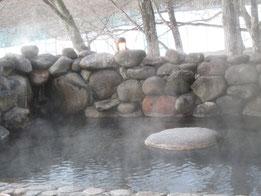 露天風呂「恵みの湯」からの満月は…