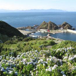 海の向こうに横たわるのは「北海道」