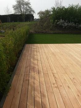 Douglasien Holzterrasse, verschraubt mit Edelstahl Terrassenschrauben