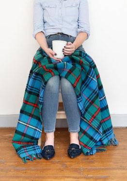 Robertson Hunting Tartan Knie-Decke von The Tartan Blanket Co.