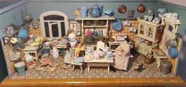 Antike Puppenküche
