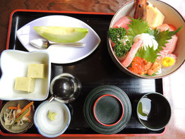 海鮮丼¥1,500