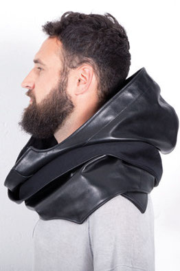 HOODSCARF SAINT MARTIN'S leather