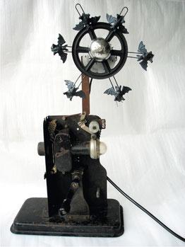 House of Usher, Projektor, Gummitiere, Motor