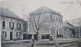 Links Bauernhof & Rechts Gastwirtschaft Tockert & Haus Flammang