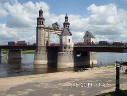 Die Königin-Luisen-Brücke in Tilsit