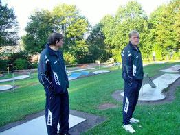 Michael und Uwe mit skeptischem Blick; sie ahnten es wohl schon...