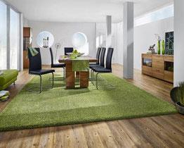 Bodenbeläge, ob Teppich, Laminat, Parkett oder Desingbelag - entscheidend sind hier Ihre Ansprüche an den Wohnraum.
