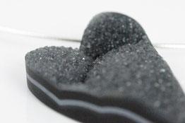 Herz Anhänger aus Onyx mit silbernem Halsreif