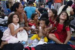 Gruppe von Geflüchteten aus Honduras in Mexiko