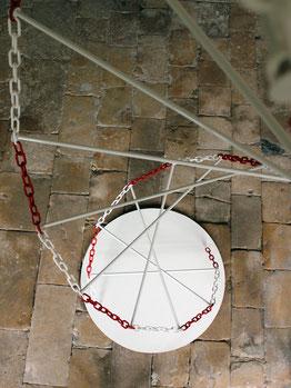 Installation de Laurent Valera sur l'ADN à l'abbaye de Vertheuil