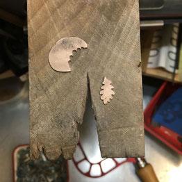 Three Tendril English Oak Leaves Ring