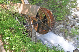 Wasserrad in Schnaus