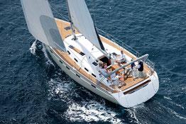 Typische Segelyacht bei Yacht-Event