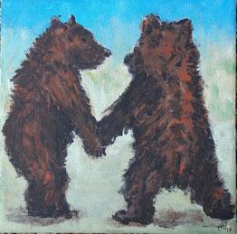 Zwei Bären gehen Hand in Hand