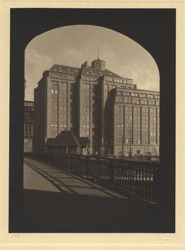 Ballinhaus (heute Meßberghof genannt) der Gebrüder Hans und Oskar Gerson, 1922-1924 auf einem Foto der Gebrüder Dransfeld. Quelle: Hamburgischen Architekturarchiv
