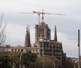 Саграда Фамилия в Барселоне поменяла высоту!