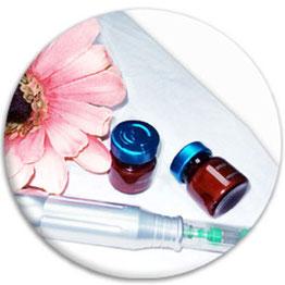 Microneedling mit dem Dermapen für Gesicht- und Körperbehandlungen