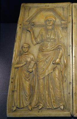 Diptychon des Heermeisters Stilicho, Oberitalien, ca. 440. Kopie, RGZM. Foto von Nina Möller - byzantinische Mode Kleidung