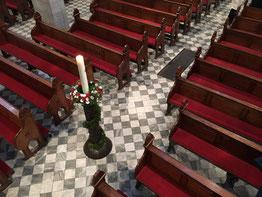 Die neuen Polster in der Basilika St. Margareta. (Foto: Sebastian Lambertz)