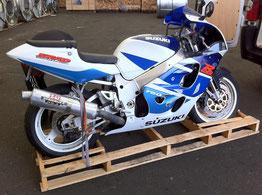 Transport de moto sur palette dans un conteneur pour la Réunion, avec Long-Cours