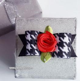Lazo Artesanal modelo picos y rosas