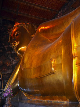 Wat Pho Goldener Buddha Bangkok Thailand