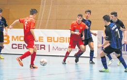 Florian Limpert (Nr. 9) und seine Mitspieler von den SVH B1-Junioren unterlagen im ersten Endrundenspiel wenige Sekunden vor dem Schlusspfiff unglücklich mit 0:1 gegen den Regionalligisten SV Gonsheim.
